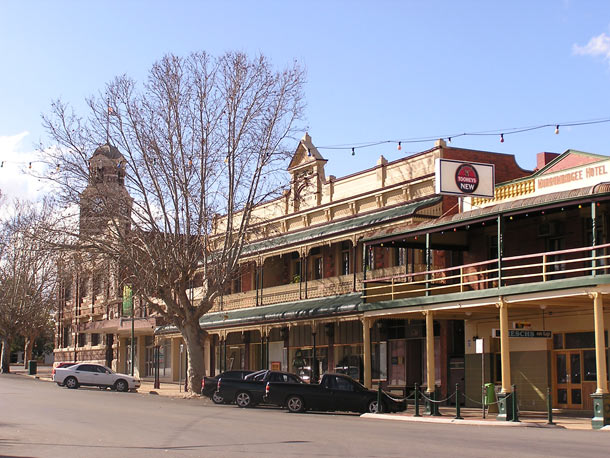 Accommodation Narrandera NSW - Camellia Motel - Local
